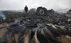 Restos del Vuelo MH-17 de Malasya Airlines.